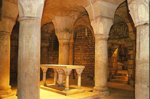 Saint-Benigne-crypt